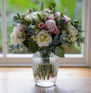 Blogging assignment: Creative and unique hand-made fresh flower gifts delivered nationwide to be reviewed (UK bloggers)