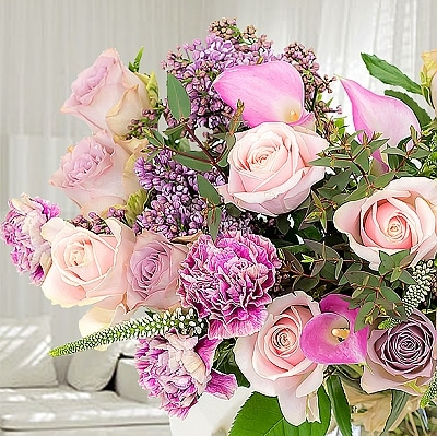 Blogging assignment: Review a bouquet from a new range of flowers (UK bloggers)
