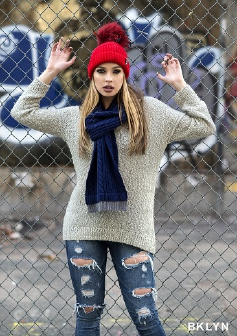 Blogging assignment: BKLYN Luxury Bobble Hats Require Bloggers to Wear/Review Our Products (Worldwide bloggers)