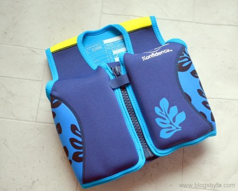 UK Giveaway: WIN a kid's FLOAT JACKET – Closes 03/05/2017