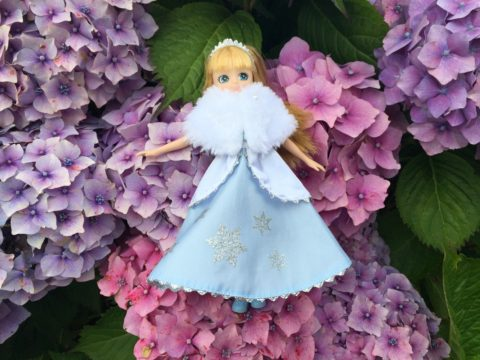 Blogger @nefamilylife UK Giveaway: Win A Snow Queen Lottie Doll – Closes 08/20/2017