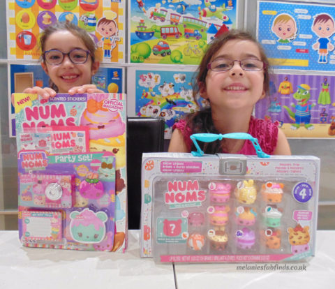 Blogger @MelanieMse UK Giveaway: Win a Num Noms Series 4 Lunch Box – Closes 12th Nov 2017