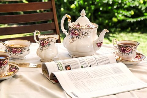 How to throw the perfect afternoon tea party [Infographic]