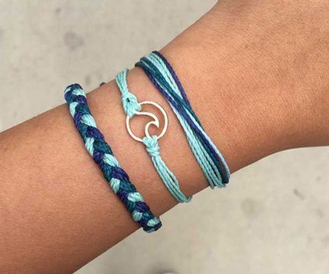 US Instagram assignment: Blue Wave Bracelet Supporting Midterm Democrat Campaigns – Closes 18th July 2018