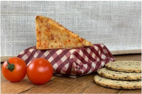 UK blogging assignment: Plastic-free cheese wrap review and giveaway. Closes 28th Feb 2019