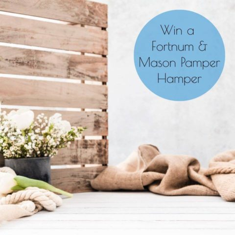 Blogger @stressedmum01 UK Giveaway: Win a Fortnum & Mason Pamper Hamper – Closes 17th Jan 2020